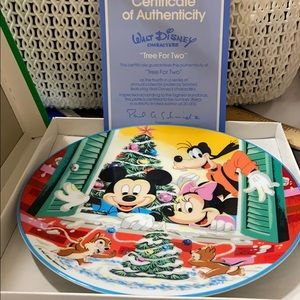 """Disney """"Tree For Two"""" 1986 Collector Plate"""